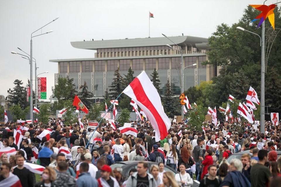 Под петицией в поддержку БЧБ-флага подписались более 100 тысяч человек