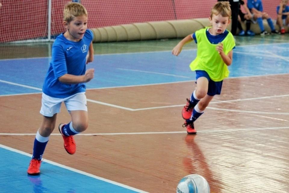 В Брянске открылась Академия футбола «Динамо-Брянск». Фото: пресс-служба правительства Брянской области.