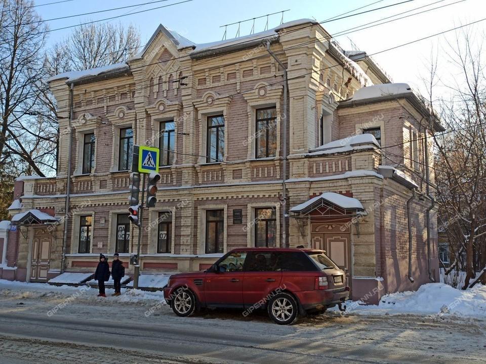 Здание расположено на Большой Печёрской. Фото: Gipernn.ru.