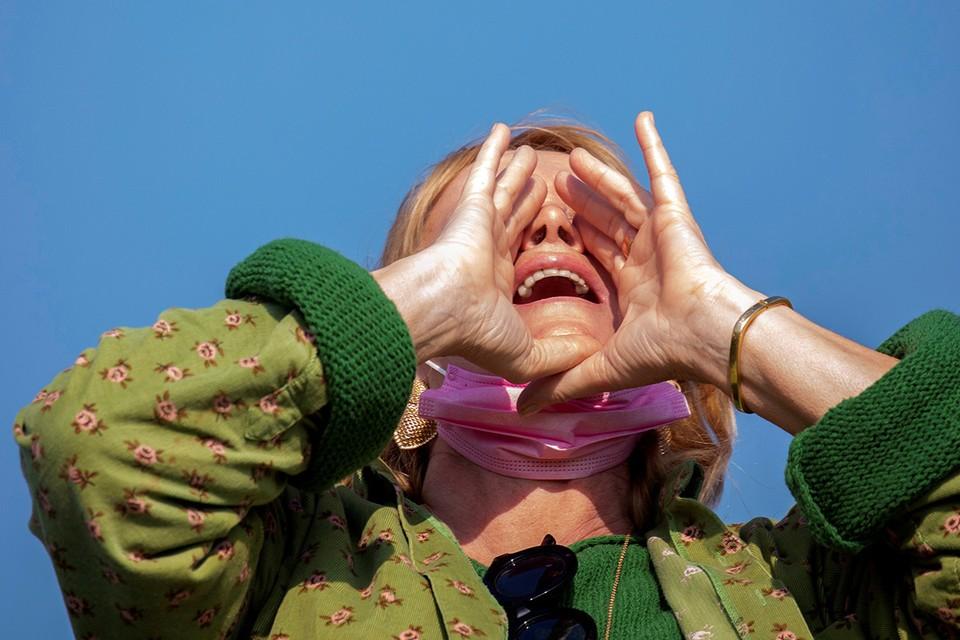 Некоторые недовольные пандемией и локдауном израильтяне решили избавиться от стресса криком.