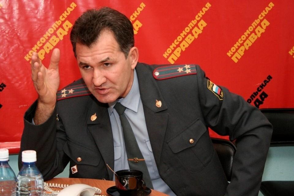 До работы в правительстве он занимал должность главы УГИБДД ГУ МВД по Алтайскому краю
