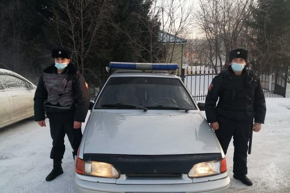 Злоумышленника задержали сотрудники Росгвардии. Фото: Управление Росгвардии по Алтайскому краю