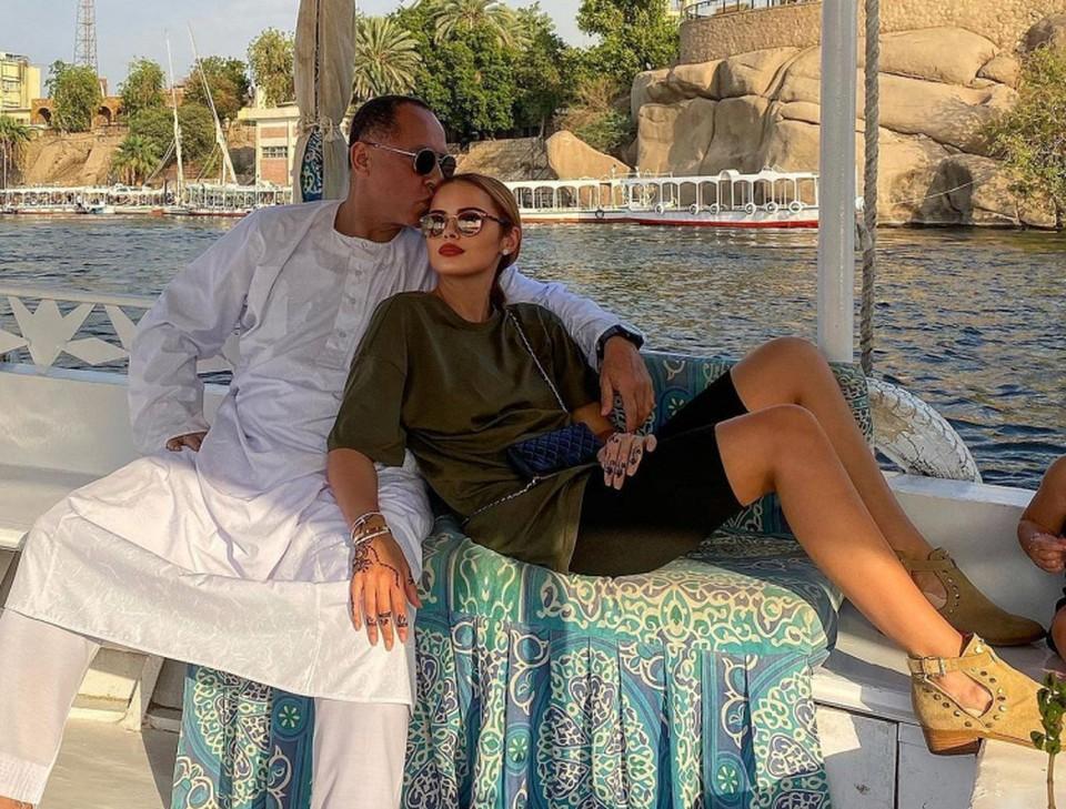 Ксения Дели отпраздновала День всех влюбленных вместе со своим мужем и маленькой дочкой. Фото: Instagram