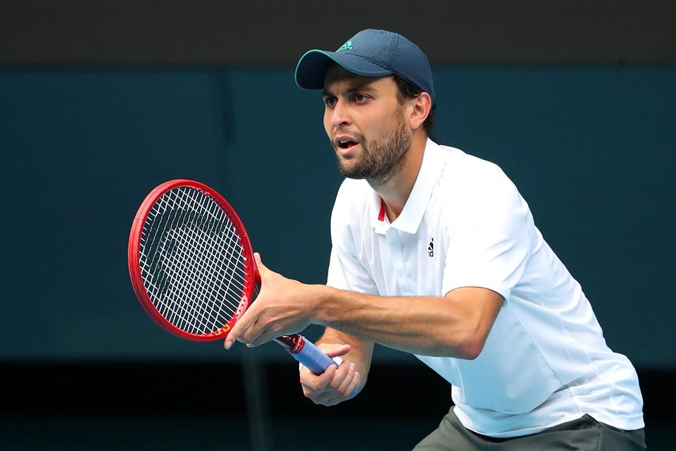 27-летний «квалифай», на котором многие специалисты уже дорисовывали жирный крест, ворвался на турнир Большого шлема, и стал кромсать одного фаворита Australian Open за другим