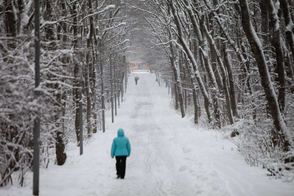 Снежная погода застала крымчан в расплох.