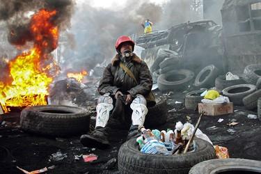 Все эти годы многим в России не дает покоя вопрос, почему близкие нам ментально украинцы, а тем более — миллионы русских, глядя на майданный карнавал русофобии, не попытались хоть что-то сказать в ответ?