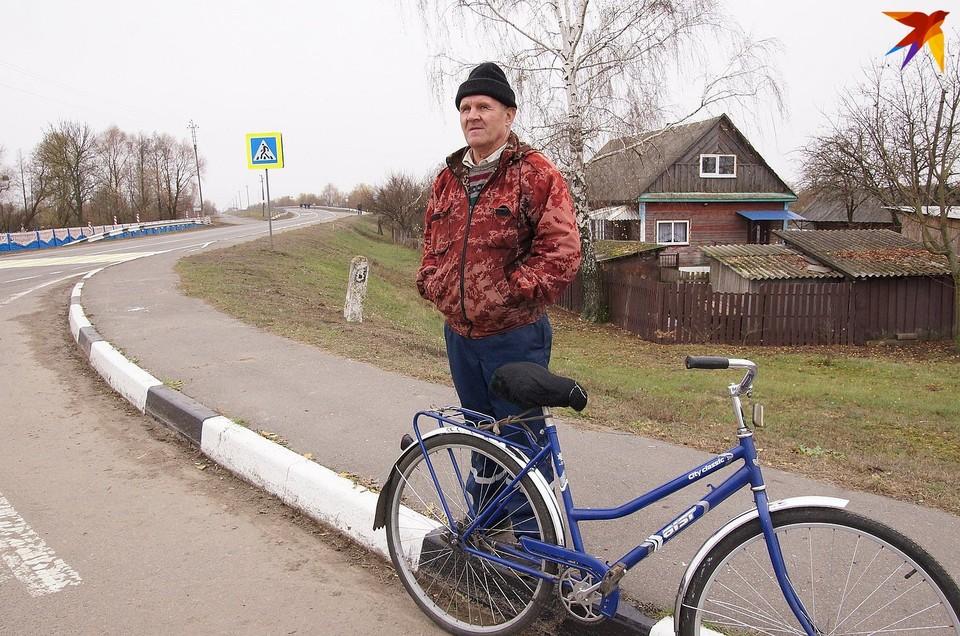 Лукашенко констатировал, что минский завод сохранил популярные торговые марки «Аист» и «Минск»