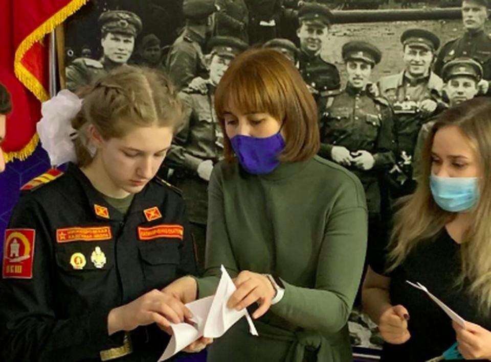 """Около 700 нижегородских учащихся посетило выставку """"Без срока давности"""""""
