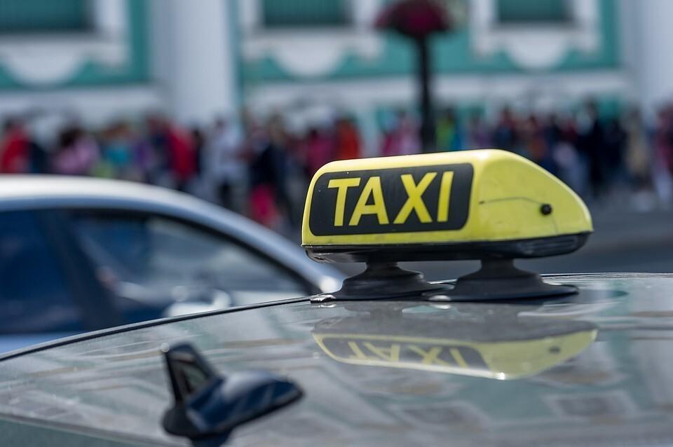 Петр Шкуматов объяснил рост цен на такси