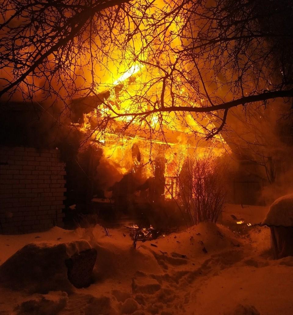 Пожар в личном жилом доме в Володарском районе.