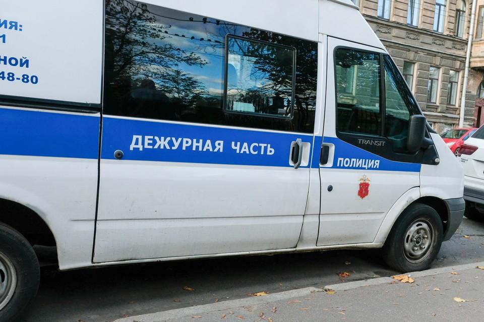 Полиция накрыла цех по производству паленого алкоголя в Ленобласти