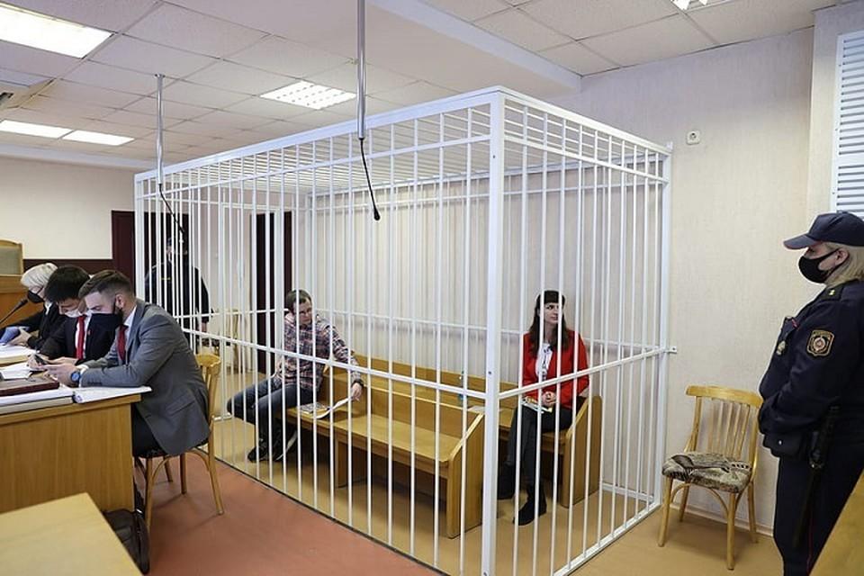 В 10.00 начался суд над Борисевич и Сорокиным, а уже спустя чуть более получаса судья объявила, что суд будет закрытым. Фото: БелТА.