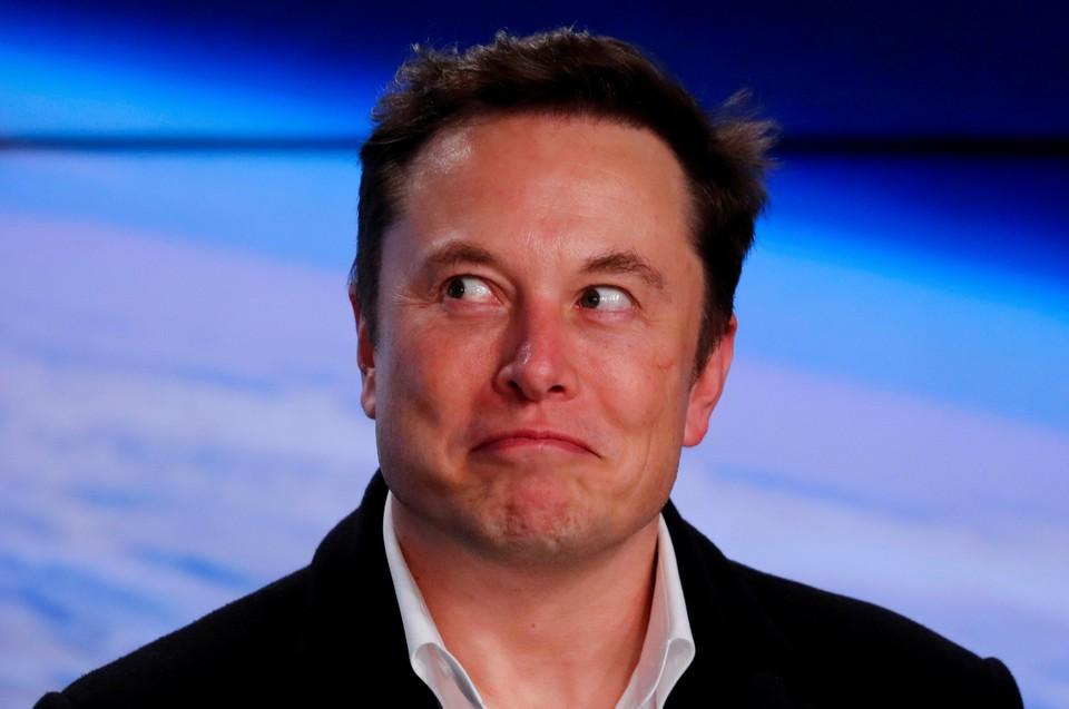 Илон Маск делает огромные деньги на одном сообщении в Твиттере.