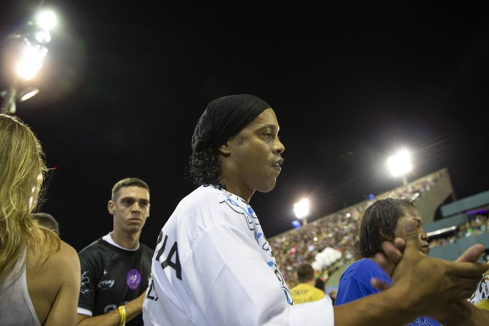 Мать чемпиона мира по футболу Роналдиньо умерла от коронавируса.