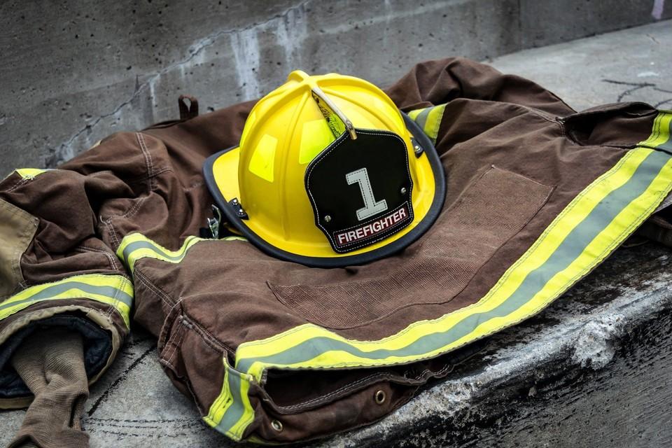 Пожар предположительно начался в кафе на первом этаже жилого дома