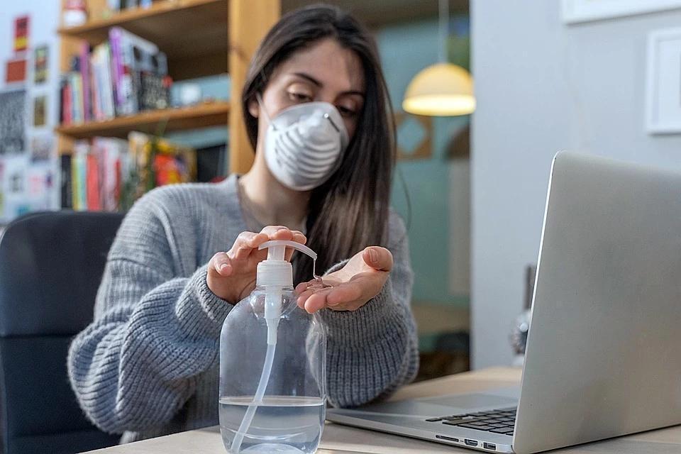 Во Франции запретили продажу спрея, якобы способного убить 99% коронавирусов