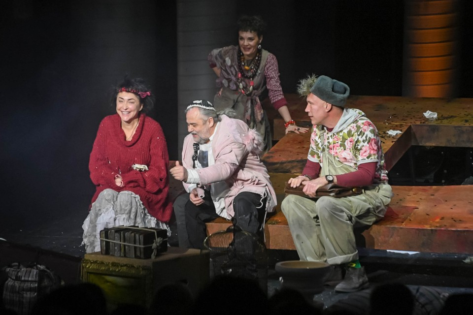 Лолита Милявская дебютировала на драматической сцене.