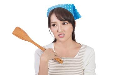 7 тысяч долларов за 5 лет: Китаянка отсудила у бывшего мужа компенсацию за домашний труд