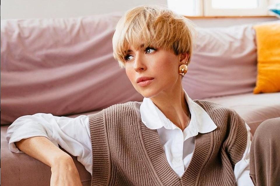 «Чуть не померла»: Мирослава Карпович показала, как Прилучный поздравил ее с 35-летием