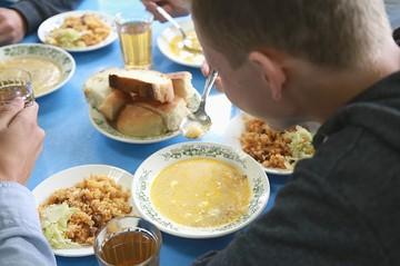 «Крысы побегали по морковке, а потом это съели дети»: почему 91 ребенок заразился иерсиниозом в Красноярске