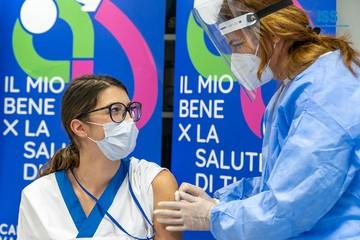 Вакцинный бунт: итальянцы потянулись за «Спутником-V» в Сан-Марино