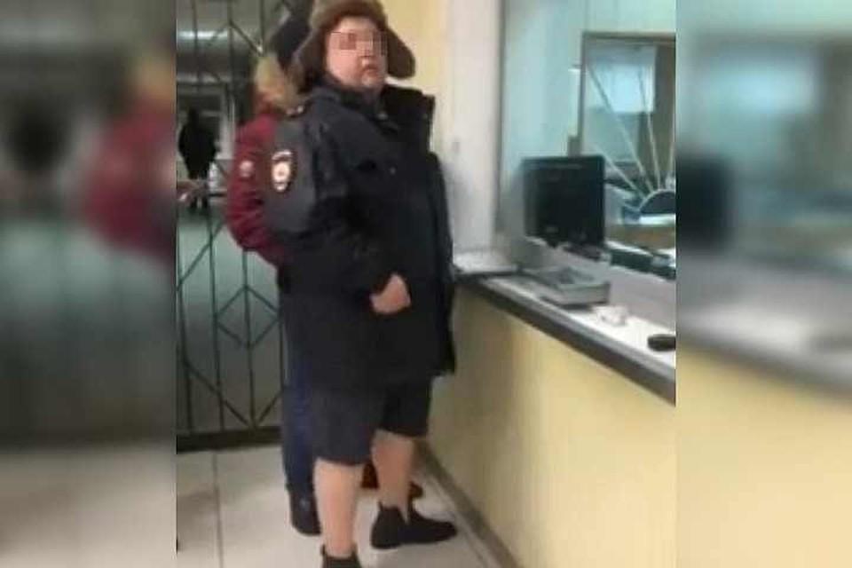 В Смоленской области уволят участкового, который пришел на работу в шортах
