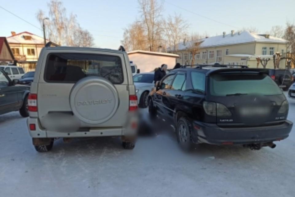 Место убийство на парковке суда. Фото: СУ СК России по Иркутской области