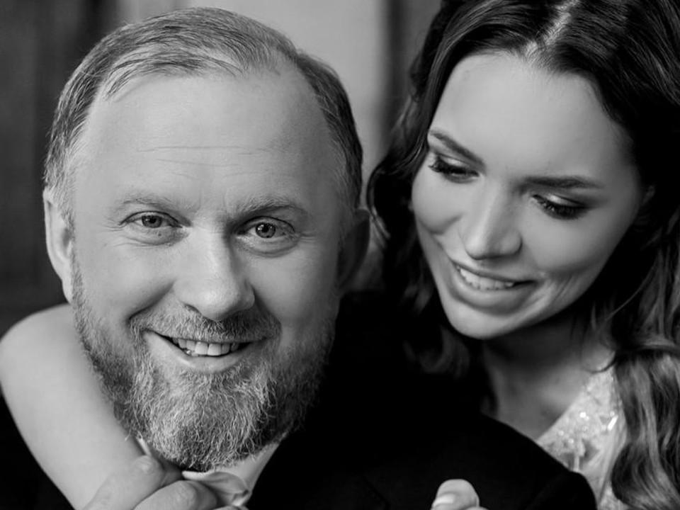 Шеф-повар Константин Ивлев сыграл шумную свадьбу с молодой моделью на ее родине - в кубанской станице