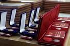 Губернатор Красноярского края в преддверии 8 марта вручил женщинам награды
