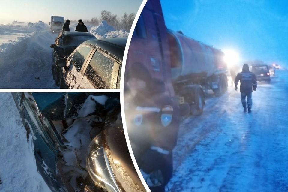 Машины столкнулись лоб в лоб на заметенной дороге. Фото: Поисково-спасательная служба Челябинской области