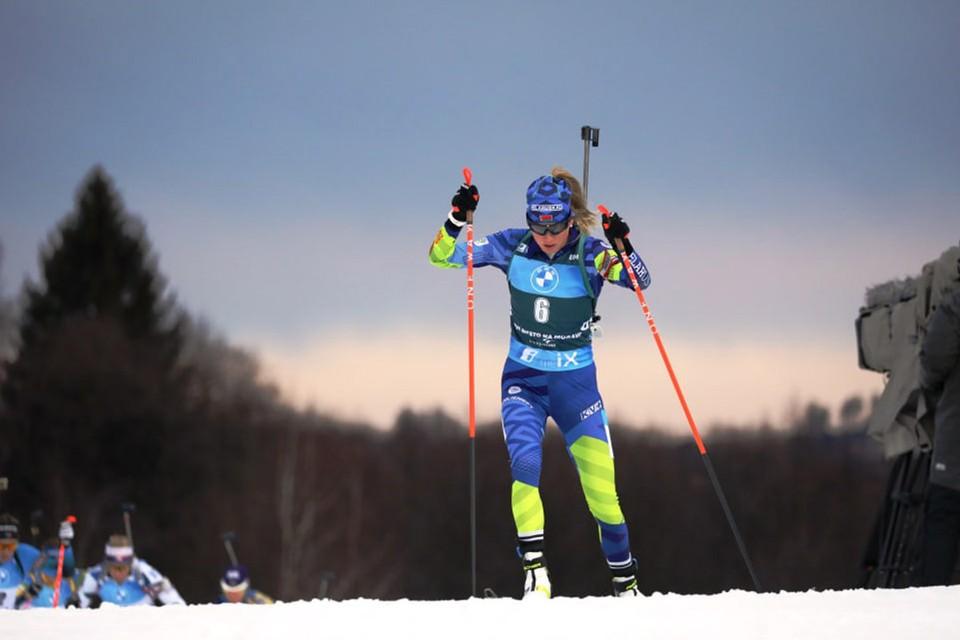 Алимбекова в очередной раз поднялась на подиум гонки Кубка мира. Фото: biathlonworld.com