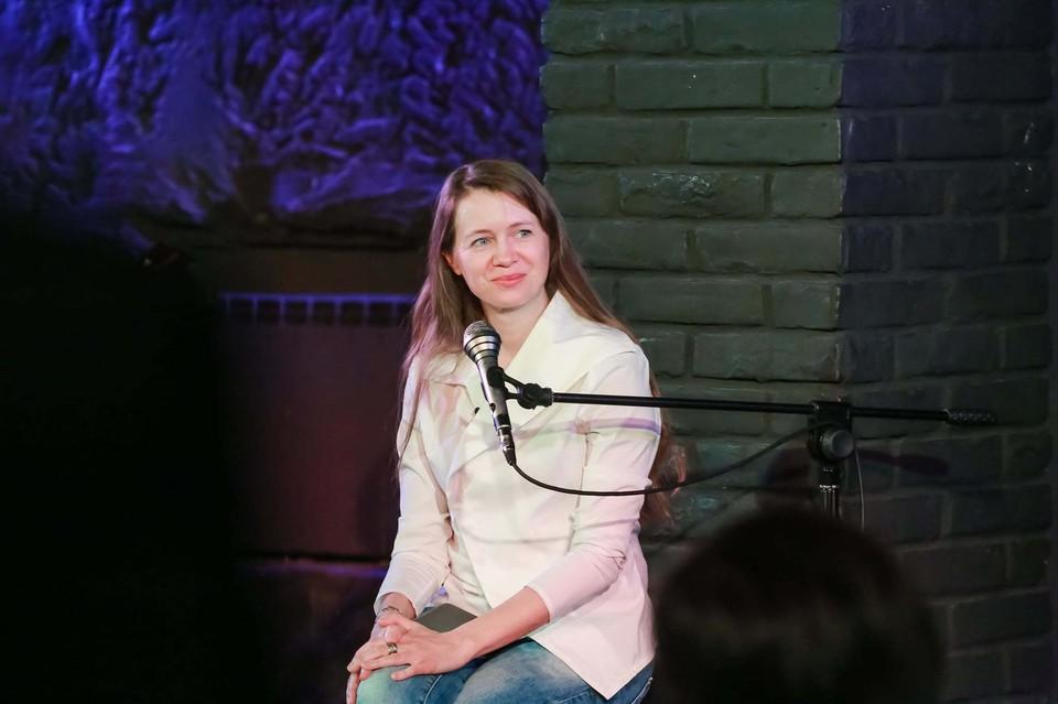 Поэтический вечер министра культуры Алтайского края Елены Безруковой