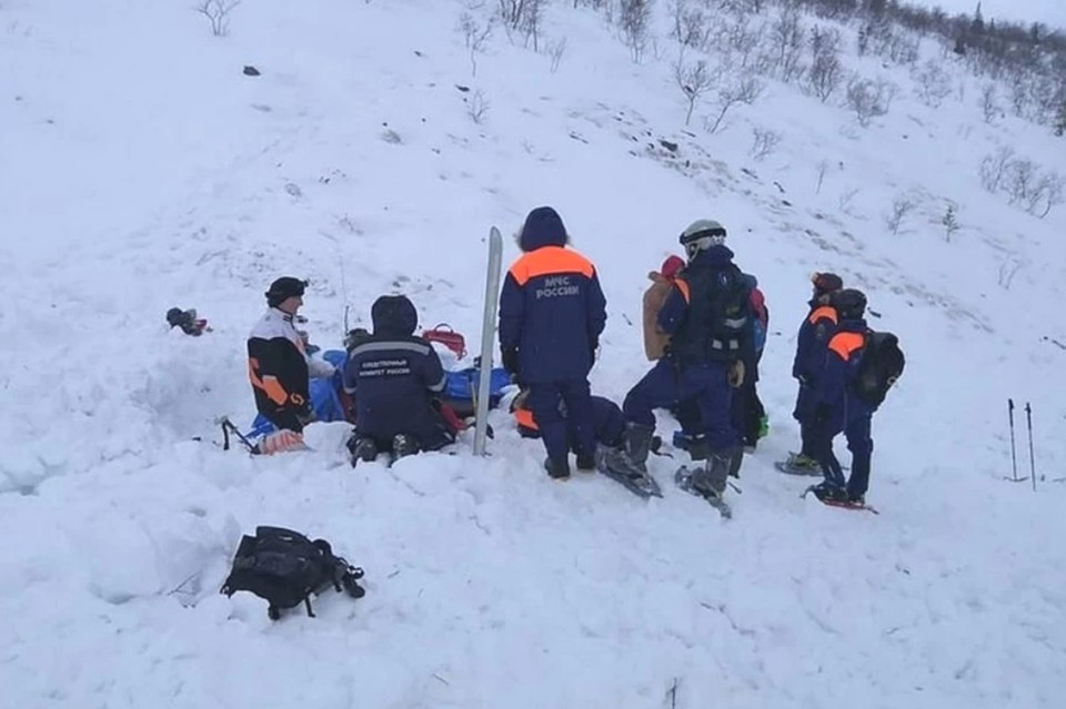 Суд арестовал на 30 суток руководителя петербургской тургруппы, на которую обрушилась лавина в Хибинах. Фото: ГУ МЧС по Мурманской области