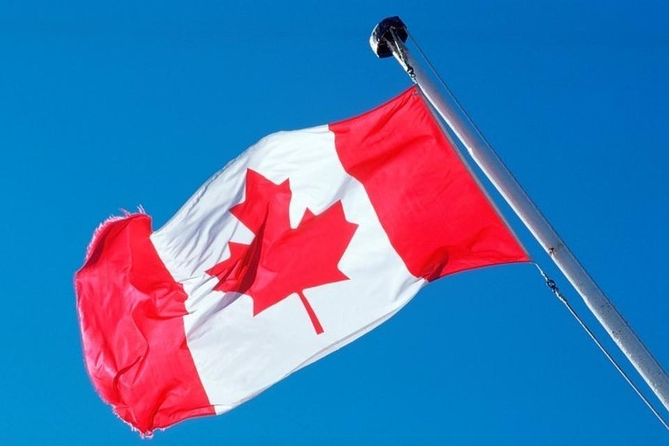Канада приостановила вакцинацию препаратом AstraZeneca для людей младше 55 лет