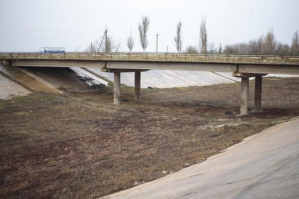 Украина перекрыла Северо-Крымский канал в 2014 году