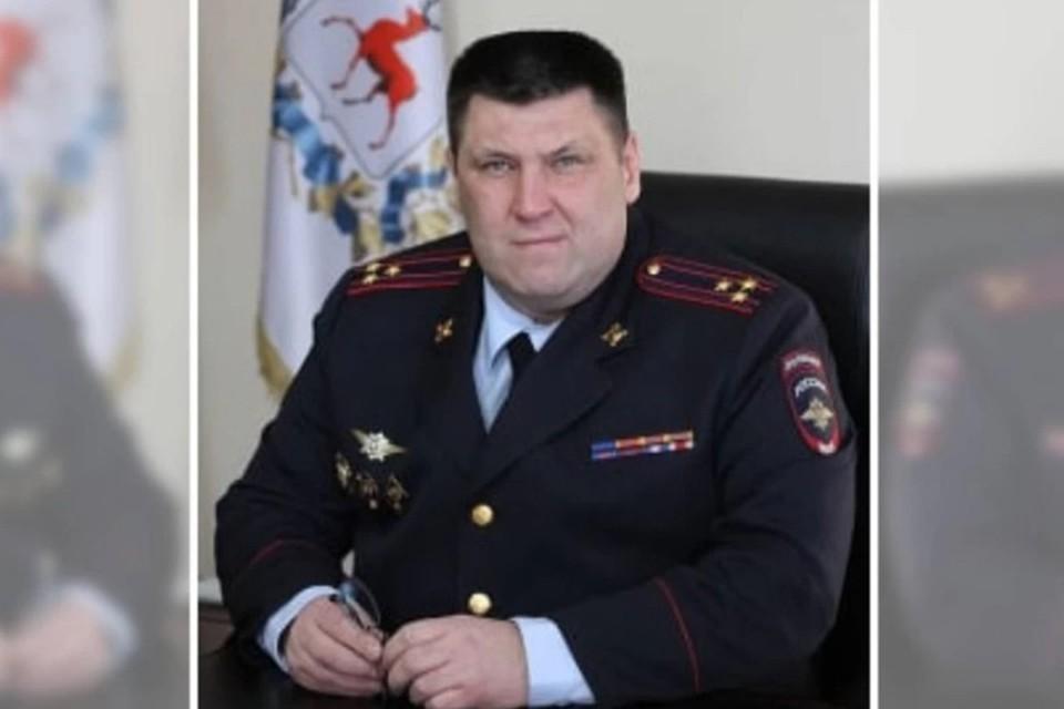В Нижнем Новгороде за взятку в миллион рублей задержали пять руководителей управления МВД на транспорте, включая начальника.