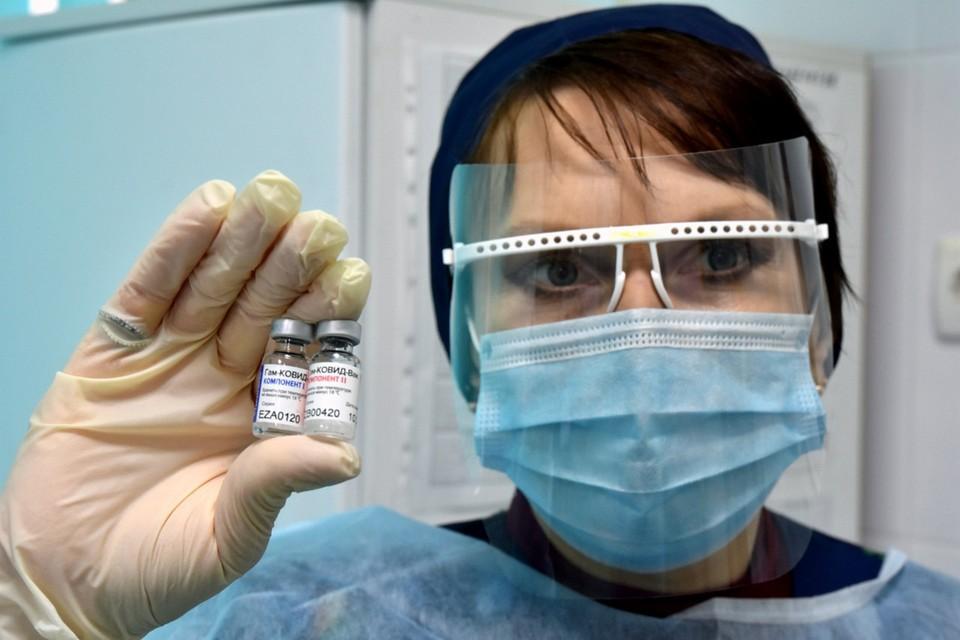 Крым ждет поступления 200 тысяч доз антиковидной вакцины в месяц