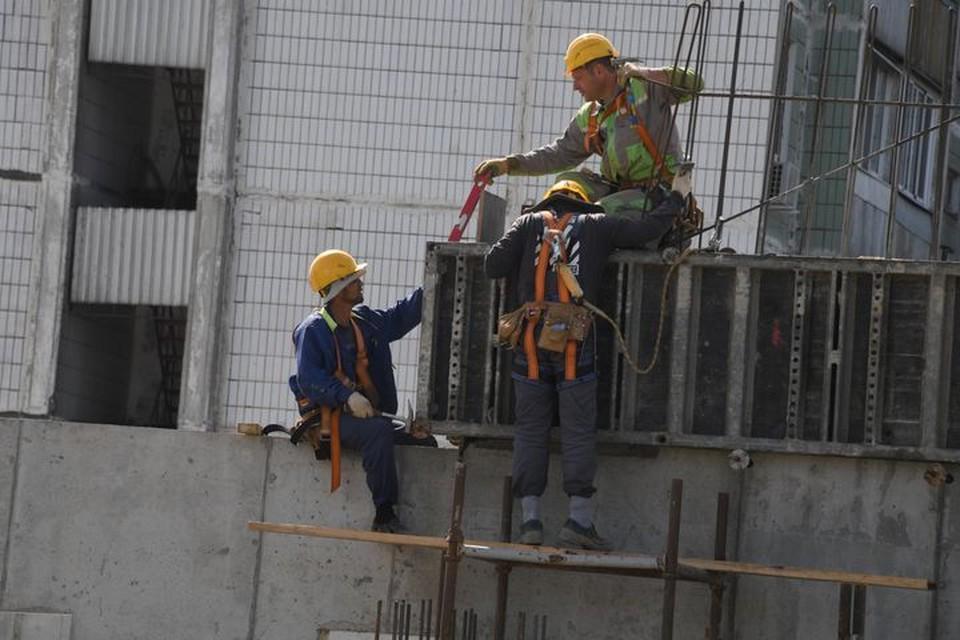 В Приморье молодой строитель разбился, упав с высоты