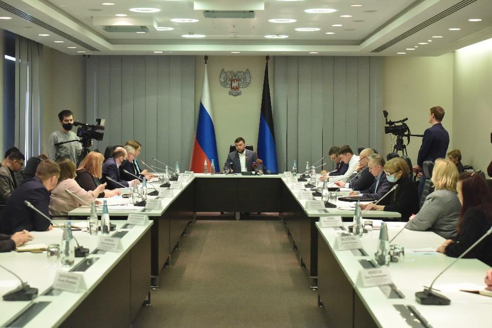Пушилин поручил подготовить предложения о возможности повышения стипендий студентам. Фото: пресс-служба Главы ДНР
