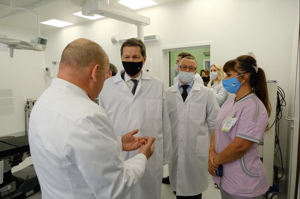 Первый зампред Госдумы Александр Жуков 2 апреля прибыл в Новосибирскую область. Фото: Правительство Новосибирской области