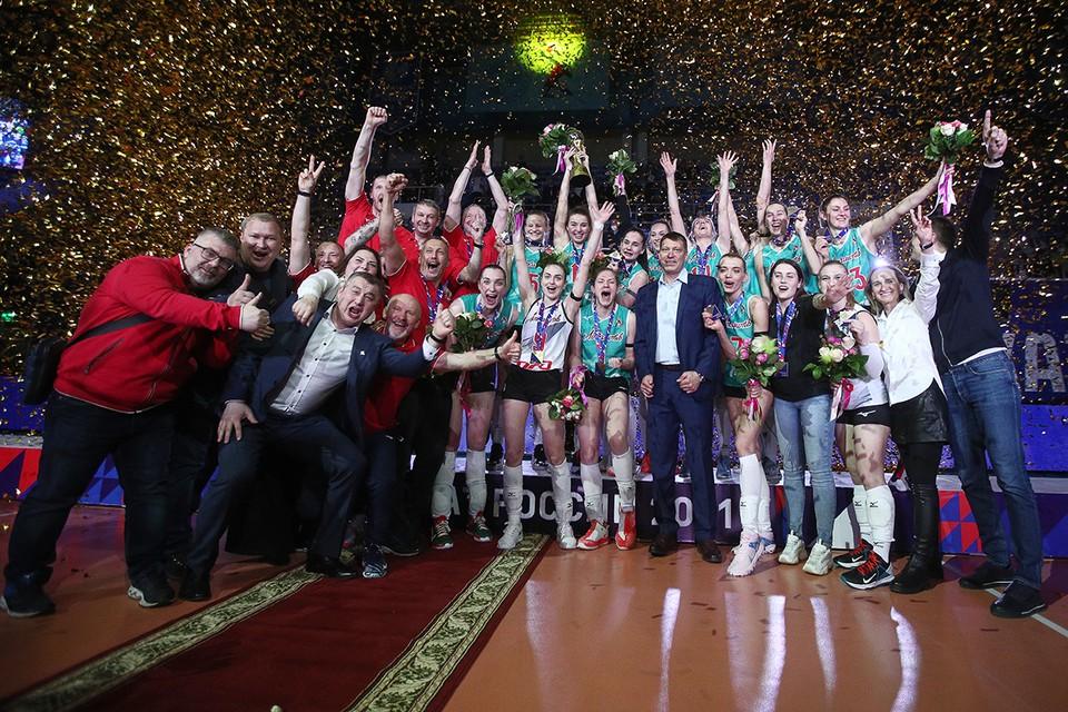 Финал шести чемпионата России по волейболу завершился очень неожиданно. Его выиграла новая команда «Локомотив» из Калининграда. Фото: Егор Алеев/ТАСС