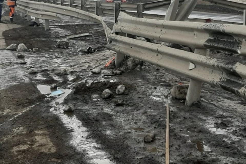 КамАЗ насмерть сбил 20-летнего рабочего на трассе под Братском. Фото: ГУ МВД России по Иркутской области