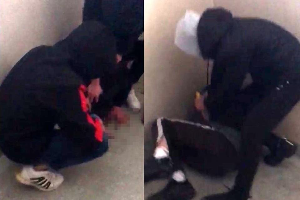 Семена и его друга избили в подъезде. Фото: скриншот из видео