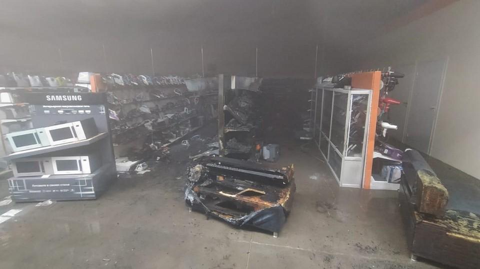 Магазин бытовой техники горел 7 апреля на улице Трактовой в Иркутске