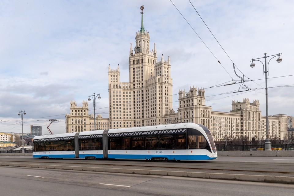 Можно совершить экскурсию по Москве на трамвае.
