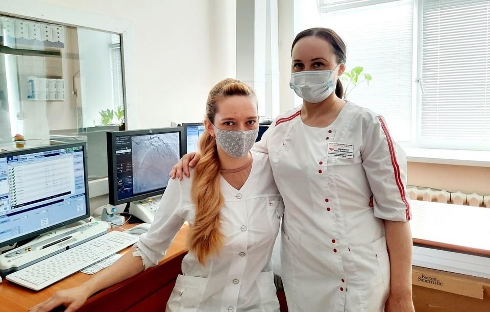 Врач из Ишима сразу после операции спасла мужчину с инфарктом (Ольга Трощагина на фото слева).