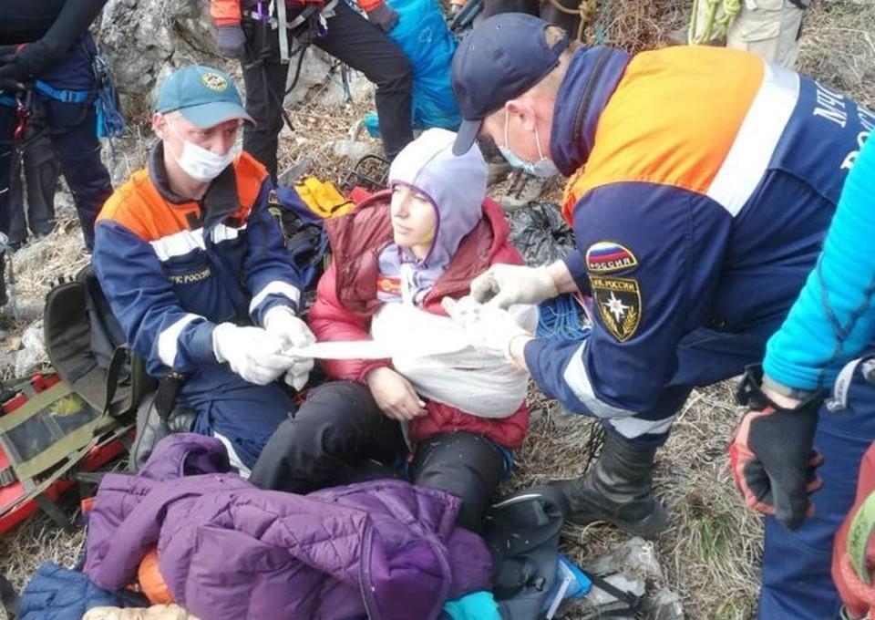 В Приморье на девушку упал камень с горы. Фото: пресс-служба ДВРПСО МЧС России