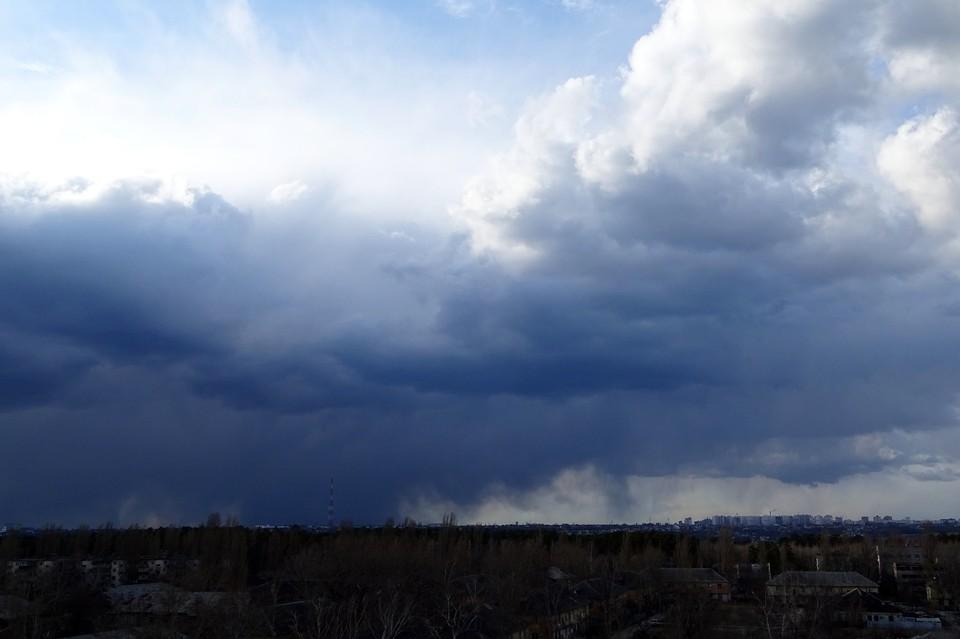 На Липецк надвигаются дожди и сильный ветер