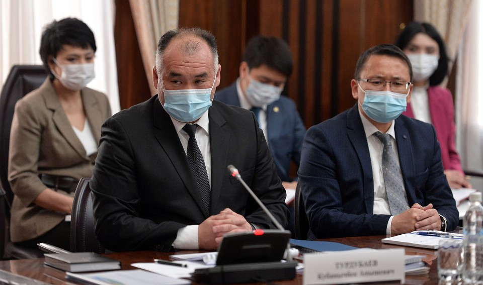 По мнению министра, такие меры позволят сдержать безудержное потребление электроэнергии в стране.