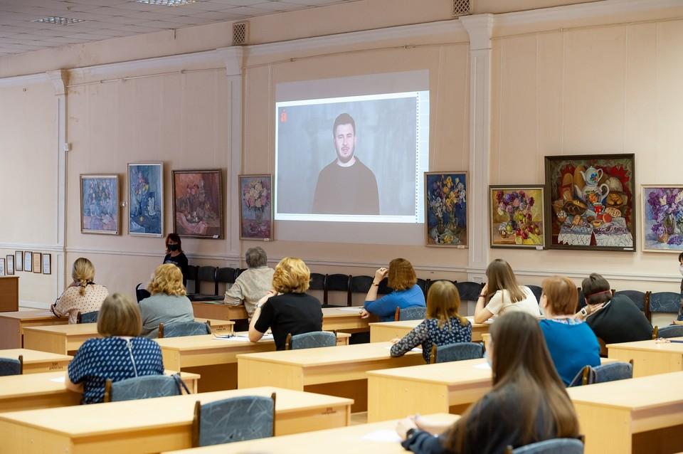 Шесть орловцев написали «Тотальный диктант-2021» на отлично. Фото: библиотека им. Бунина